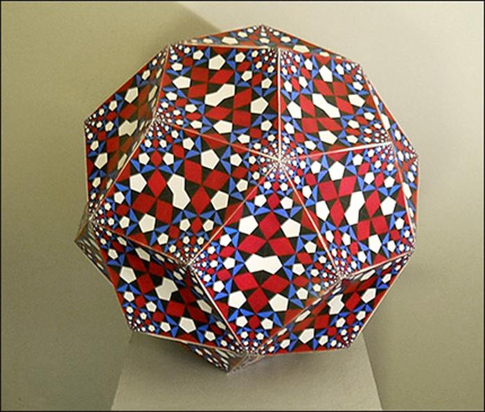 Kallweit-Triacontahedron-Sphere1-site